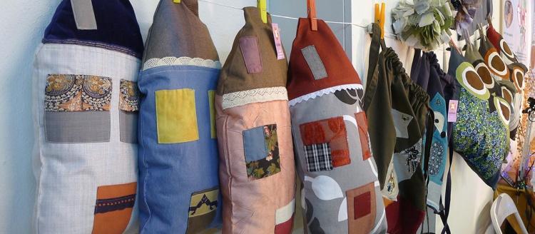 διακοσμητικά μαξιλάρια σπιτάκια