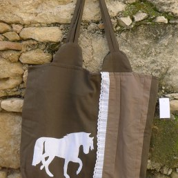 τσάντα άλογο με δαντέλα