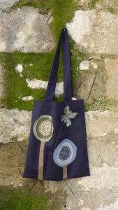 τσάντα ώμου με μικρή πεταλούδα