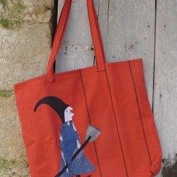 μεγάλη τσάντα ώμου με μάγισσα